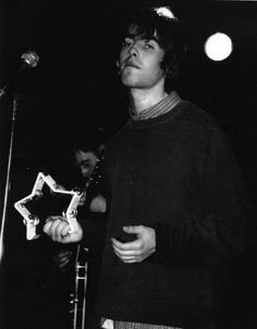 """Liam and his star-shaped tambourine 🌟 "" Gene Gallagher, Lennon Gallagher, Liam Gallagher Oasis, Oasis Album, Oasis Music, Liam And Noel, My Big Love, Britpop, Tambourine"