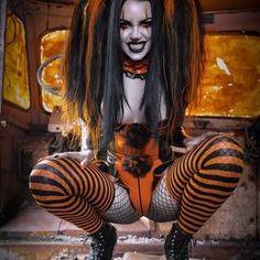 Hot Goth Girls, Gothic Girls, Fantasy Art Women, Dark Fantasy Art, Vampire Girls, Goth Beauty, Goth Women, Harley Quinn Cosplay, Metal Girl