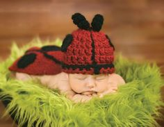 FREE pattern: Ladybug Cape & Hat