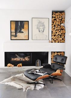Husband loves the Eames chair.do not own Fireplace and wood storage with Eames lounge chair Interior Design Examples, Interior Design Inspiration, Design Ideas, Interior Ideas, Modern Interior, Room Inspiration, Design Design, Charles Eames, Design Scandinavian