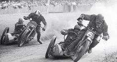 Vintage sidecar racing - that looks wild! Vintage Bikes, Vintage Motorcycles, Vintage Cars, Vintage Cycles, Valentino Rossi, Scooters, Course Vintage, Cycle Photo, Custom Cycles