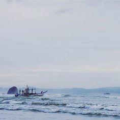 Photo @timejumble : early morning fisherman into job #Weligama #SriLanka  #TravelSriLanka #VisitSriLanka #Travel #fishing #srilankabeach #beach #holiday #sea #beach
