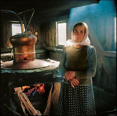 Rena Effendi went looking for a fairy-tale village in Transylvania. She found it among the haystacks of Maramures. Pear Brandy, Foto Transfer, Prune, Winter Photos, Documentary Photography, National Geographic Photos, Romania, Fairy Tales, Colors