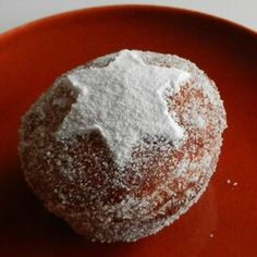 Pumpkin Sufganiot with Cranberry Jelly Cranberry Jelly Recipes, Canned Cranberry Sauce, Hanukkah Food, Hanukkah Recipes, Holiday Recipes, Canned Cranberries, Thing 1, Instant Yeast, Confectioners Sugar
