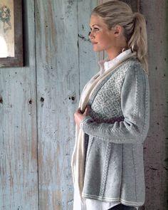 Knittingroom.dk - Dametrøje m. mønstret bærestykke