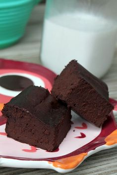 Flour-less Fudgy Brownie Recipe - eggs, cocoa powder, maple syrup and coconut oil