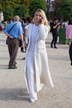 Paris Street Style: Spring 2015 Ready to Wear Spring Summer Fashion, Autumn Fashion, Spring 2015, Street Chic, Paris Street, Russian Fashion, White Fashion, Fashion Pictures, Giovanna Battaglia