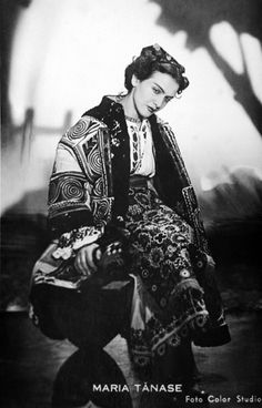 Photo of famous romanians Maria Tanase music people for fans of Romania. famous romanians Maria Tanase in traditional costume romanian people music Traditional Art, Traditional Outfits, Folk Costume, Costumes, Romania People, Constantin Brancusi, She Wolf, New Paris, Music People