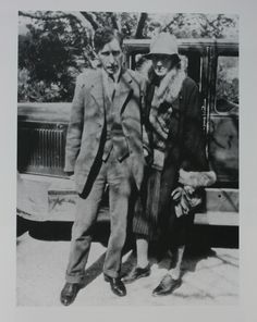 Virginia Woolf and Leonard Woolf at Cassis in 1928 Vanessa Bell, Virginia Woolf, Book Writer, Book Authors, Leonard Woolf, Duncan Grant, Bloomsbury Group, Art Terms, Portraits