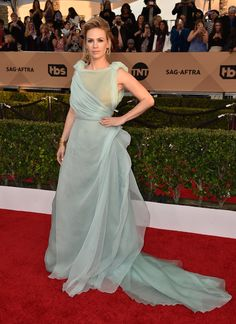 January Jones -- oh, no! What have you done??! You look like you were shot out of a malfunctioning cotton candy machine!