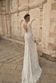 Flora Bridal 2015 Wedding Dresses Collection is a gorgeous yet very feminine, with an focus on innovative styles in smooth, streaming fabrics. Wedding Dress Cost, 2015 Wedding Dresses, Bridal Dresses, Wedding Gowns, Party Dresses, Wedding Blog, Wedding Ideas, Wedding Venues, Bridal Veils
