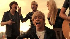 Loud - R5 OMG I LOVE this pic and song !!