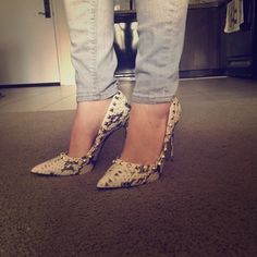 Steve Madden Hills Snakeskin print with studs. Gorgeous hills. Selling for a friend, they are big for her. Worn 1 time. True to size. Comes with original box Steve Madden Shoes Heels