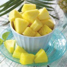 Für einen köstlichen Nachtisch empfehlen wir karamellisierte Ananas  mit Vanille Eis. Denn die Ananas ist eine urbrasilianische Zutat. Einfach die aufgetaute Frucht mit braunem Zucker und Zimt marinieren und dann auf dem Grill oder in der Pfanne karamellisieren. Dazu ein schmackhaftes Vanille Eis.