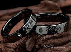 お花モチーフデザインで、マリッジリング(結婚指輪)に渋いブラックリングで、オーダーメイドでお創りしました。