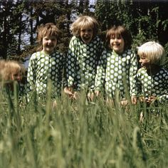 History – Marimekko as a company Marimekko, Vintage Outfits, Vintage Fashion, Green With Blue, Fancy Costumes, Crazy Outfits, Blue Tones, Simple Style, Finland
