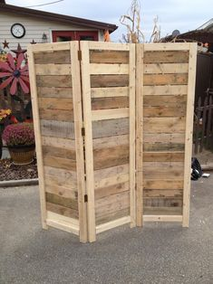 Handmade Primitive Room Divider / Movable Wall / Screen made from Antique Looking Wood - 5 10 Tall with Three Panels - Beautiful! Wooden Pallet Projects, Wooden Pallet Furniture, Wooden Pallets, Diy Furniture, Antique Furniture, Furniture Plans, Antique Wood, Furniture Movers, Handmade Furniture
