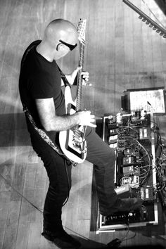 The power of the pedal board (and Joe.) Taken at Wolverhampton Civic Hall by Syd Wall. Rock N Roll, Joe Satriani, Recording Studio Design, The White Stripes, Pedalboard, Guitar Pedals, Alternative Music, Guitar Design, Van Halen