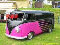 CUSTOM VOLKSWAGEN BUS - COOL PAINT JOB