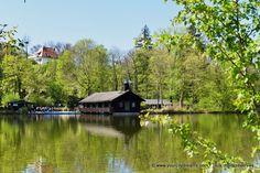 L´étang Hinterbrühl près de l´Isar, fleuve de Munich en Bavière. Small lake in Munich, Bavaria. Hinterbrühl See in München, Bayern - https://www.yourcitydreams.com/munich/isar/ - #voyageenbavière #Allemagne