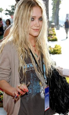 Mary-Kate Olsen in a vintage band tee #style #fashion #mka #olsentwins