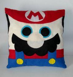 Patchwork: A Arte de Criar e de Ensinar & Como Montar Mochila de Patchwork e Costura Criativa Mario Bros, Mario And Luigi, Kids Pillows, Throw Pillows, Felt Pillow, Diy Back To School, Sewing Pillows, Cute Diys, Super Mario