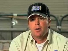 ▶ How can you make sure your hog behaves in the show arena? - YouTube