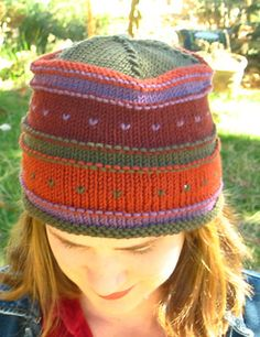 Simple Fair Isle Hat.  from       http://www.ravelry.com/patterns/library/simple-fair-isle-hat
