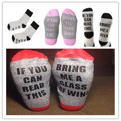 1 pairs вина носки borduren kerstsok каваи смешно рождественский чулок зимой носки, если вы читаете это принести мне немного вина носки