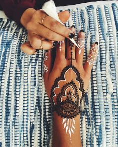"""""""RIRI Moment"""" Henna tattoos @ Hannah Bronfman. R U ready for Cochella!"""