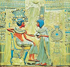 Tutankhamen: Tutankhamen and Ankhesenamen [Credit: Hirmer Fotoarchiv, Munich]