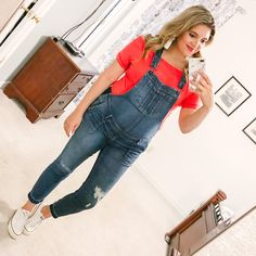 casual 4th of july outfit - red off shoulder tee and overalls! | patriotic outfit roundup - come see over 15 4th of july outfit ideas! bylaurenm.com Gatsby, Pregnancy Outfits, Fit Pregnancy, Pregnancy Fashion, Maternity Outfits, Maternity Style, 32 Weeks Pregnant, Dads, Bump Style
