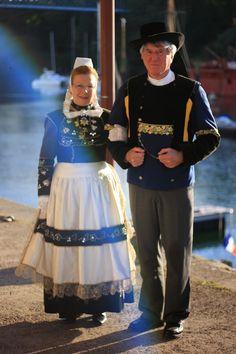 Costumes bretons    Finistère Bretagne