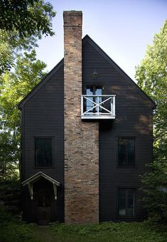 Maison Jean Longpré, Fitch bay, Montréal, Canada. One has to love the chimney/balcony design.