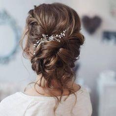 Tonya Pushkareva Long Wedding Hairstyle for Bridal via tonyastylist / http://www.himisspuff.com/long-wedding-hairstyle-ideas-from-tonya-pushkareva/13/