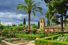 Jardines del interior de la Alhambra de Granada, España