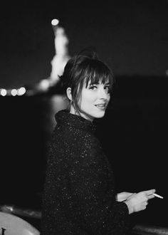 Dakota Johnson - I know her from movie Social Network. Estilo Dakota Johnson, Dakota Johnson Style, Dakota Mayi Johnson, Dakota Style, Mein Style, Jolie Photo, Fifty Shades Of Grey, Pretty Face, Pretty People