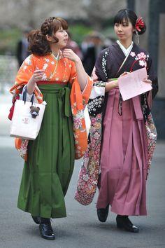 Parade of Kimono – University Graduation - Traditional Fashion, Traditional Dresses, Traditional Japanese, Furisode Kimono, Mode Kimono, Kimono Style, Art Textile, Japanese Outfits, Japanese Clothing