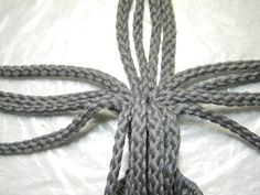 How to Macrame a Plant Hanger Macrame Plant Hanger Patterns, Free Macrame Patterns, Macrame Plant Hangers, Macrame Art, Macrame Projects, Macrame Jewelry, Crochet Projects, Paracord, Make Do And Mend