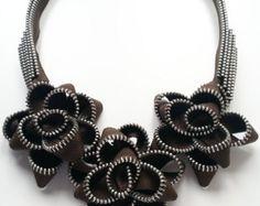 Etsy の Elixir Zipper Bracelet by ReborneJewelry