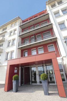#Hotel: PARK AND SUITES ELEGANCE CORNEBARRIEU, Toulouse, . For exciting #last #minute #deals, checkout #TBeds. Visit www.TBeds.com now.