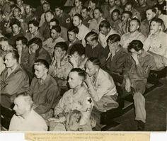 A reação de prisoneiros de guerra alemães às gravações dos campos de concentração, 1945