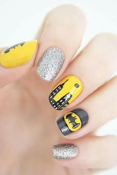 Batman nails Batman Nail Designs, Batman Nail Art, Superhero Nails, Nail Art Designs, Crazy Nail Art, Crazy Nails, Fancy Nails, Cute Nails, Pretty Nails
