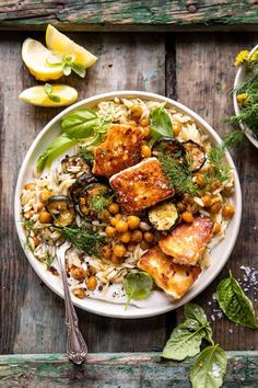 This Crispy Lemon Feta with Spiced Chickpeas and Basil Orzo is an easy meatless meal for any night of the week.a touch indulgent, but yet healthy too! Veggie Recipes, Vegetarian Recipes, Dinner Recipes, Cooking Recipes, Healthy Recipes, Veggie Food, Cooking Tips, Feta, Cuisine Diverse