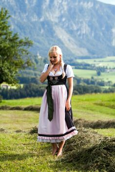 So romantically pretty! #dirndl #German #Austrian #traditional #folk #costume #dress #tracht