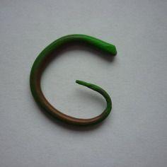 Mini écarteur vert et marron en fimo / 1 à 3 mm