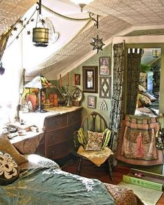⋴⍕ Boho Decor Bliss ⍕⋼ bright gypsy color & hippie bohemian mixed pattern home decorating ideas ❤ www.hippieshope.com