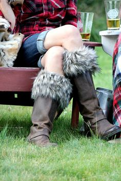 These boot cuffs will be adorable with Maddy's #hunterboots #fauxfur #bootcuff #fallfashion #giftidea