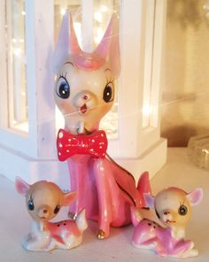 Most wonderful Kitchy Pink Deer Set and Some wonderful Christmas items found!