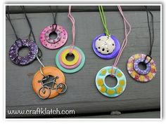DIY Nail Polish Washer Necklaces Hardware Store Jewelry Best Picture For diy jewelry easy aweso Washer Necklace Nail Polish, Nail Polish Jewelry, Nail Polish Crafts, Nail Art, Vbs Crafts, Preschool Crafts, Crafts For Kids, Summer Crafts, Washer Necklace Tutorial
